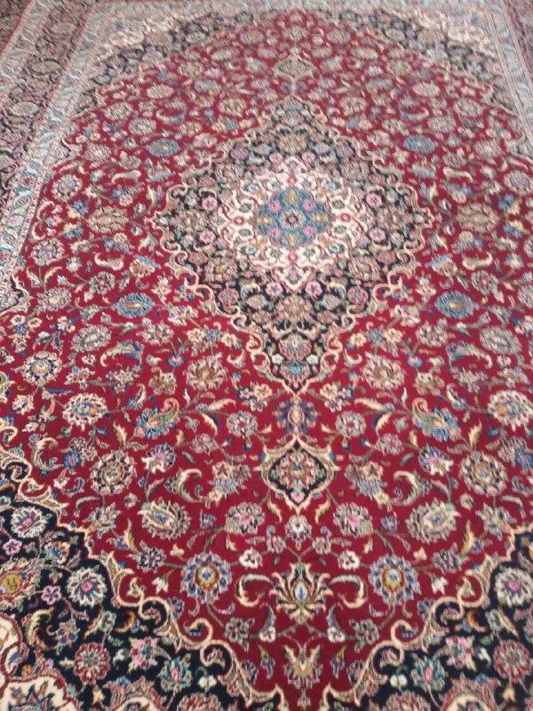 فرش دستبافت پشمی ٤*٣ ترنج محراب کاشان لاکی تراکم ١٢٢٠