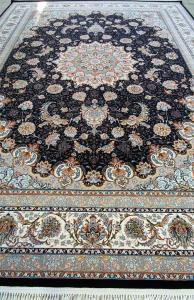فرش ماشینی ٧٠٠ شانه تراکم ٢٥٥٠ ٤*٣ اصفهان سرمه ای شکوفه