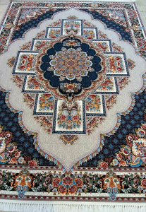 فرش ماشینی ٧٠٠ شانه تراکم ٢٥٥٠ ٤*٣ طرح ناردون فیلی شکوفه