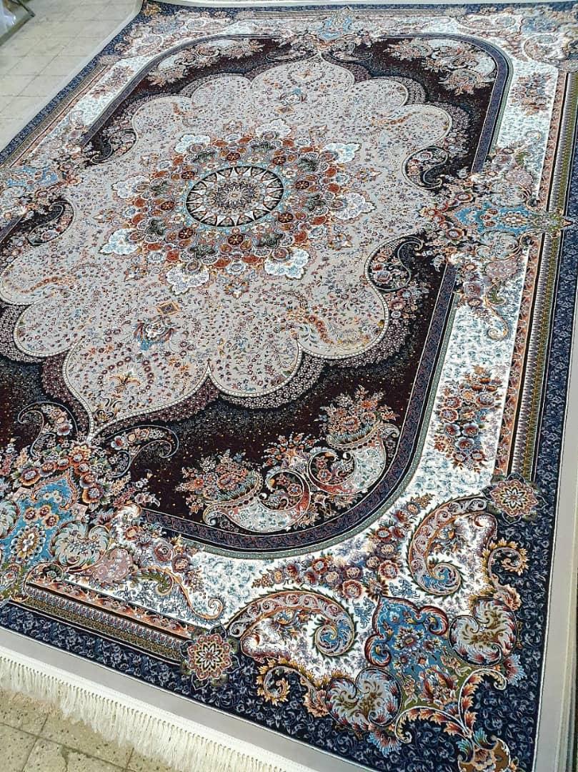فرش ماشینی ٧٠٠ شانه تراکم ٢٥٥٠ ٤*٣ نسترن فیلی شکوفه